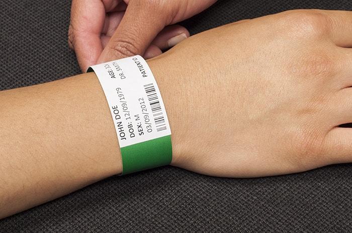 مزایای استفاده از مچ بند بیمارستانی
