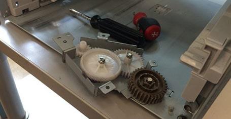 تعویض سری چرخ دنده رابط پرینتر HP LaserJet P4014DN